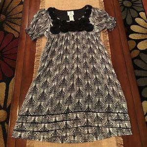 Dresses & Skirts - Black and White Dress Size 10